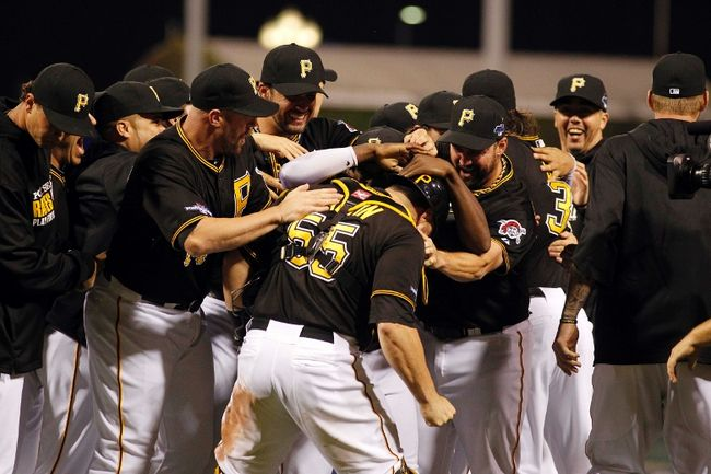 Pirates Beat Reds, Advance To N.L. Division Series
