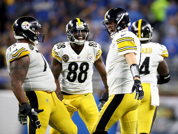 Steelers Hold On Late, Beat Lions 20-15
