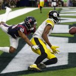 Steelers Roll Past Texans On Christmas