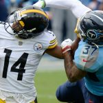 Steelers Hold On Late, Beat Titans 27-24