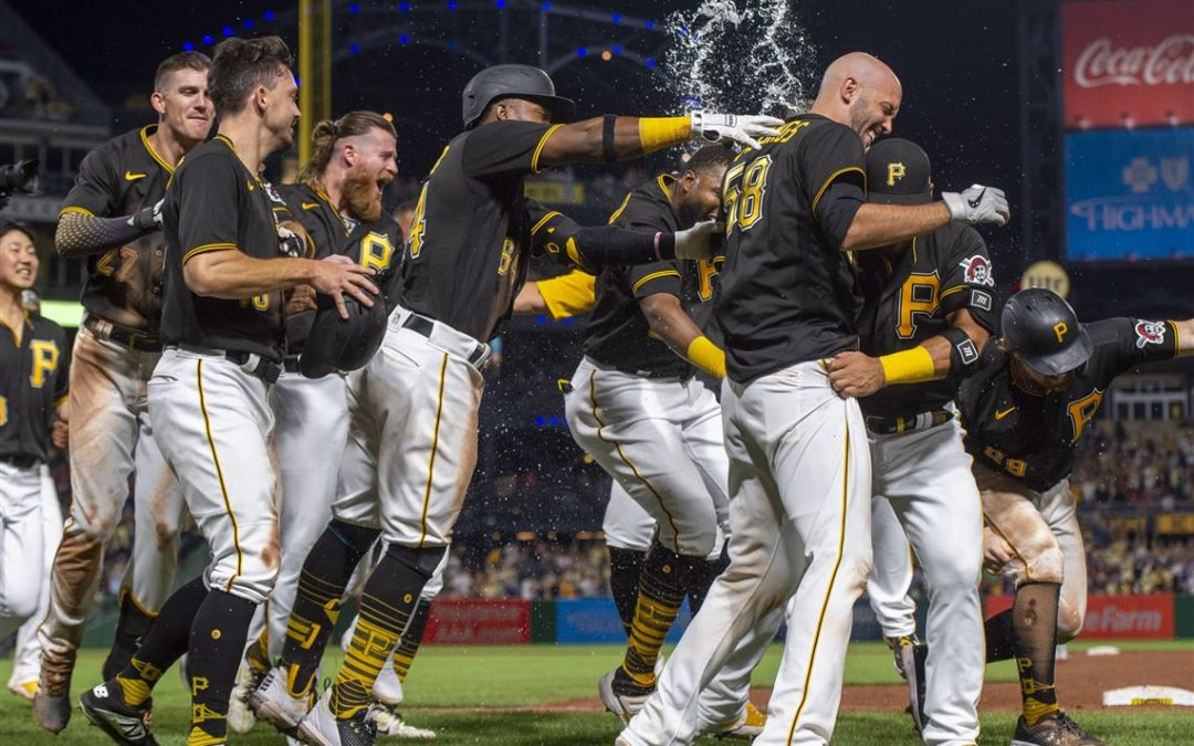 Stallings Does It Again, Pirates Beat Phillies 3-2