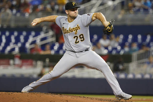 Pirates Edge Marlins To Open Weekend Series